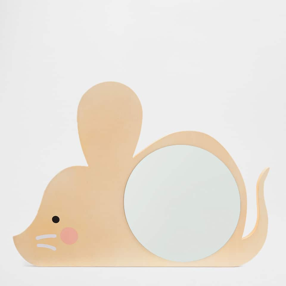 Mouse-shaped mirror