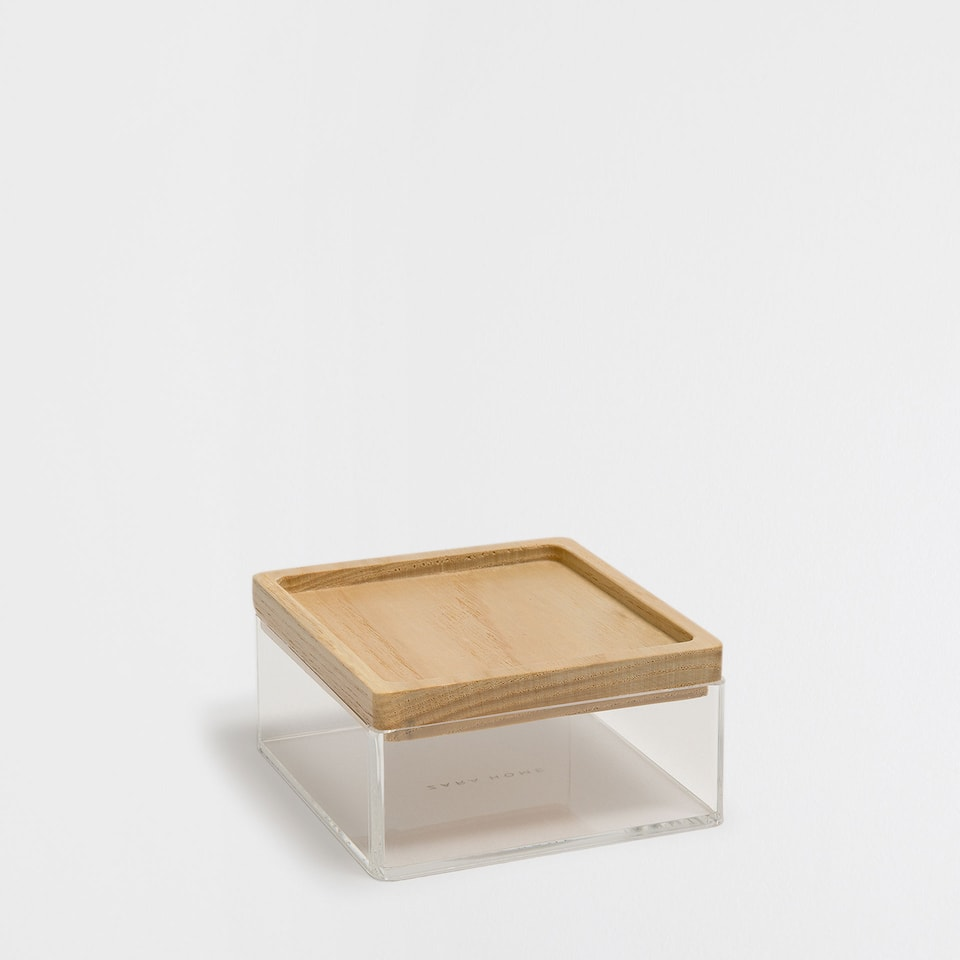 Little methacrylate box with a wooden lid