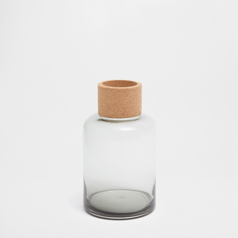 GREY TRANSPARENT GLASS VASE WITH A CORK DETAIL