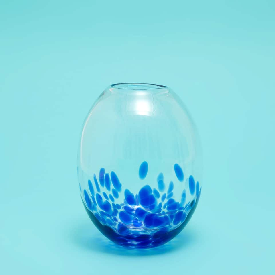 GLASS VASE WITH A BLUE SPLOTCHES PRINT