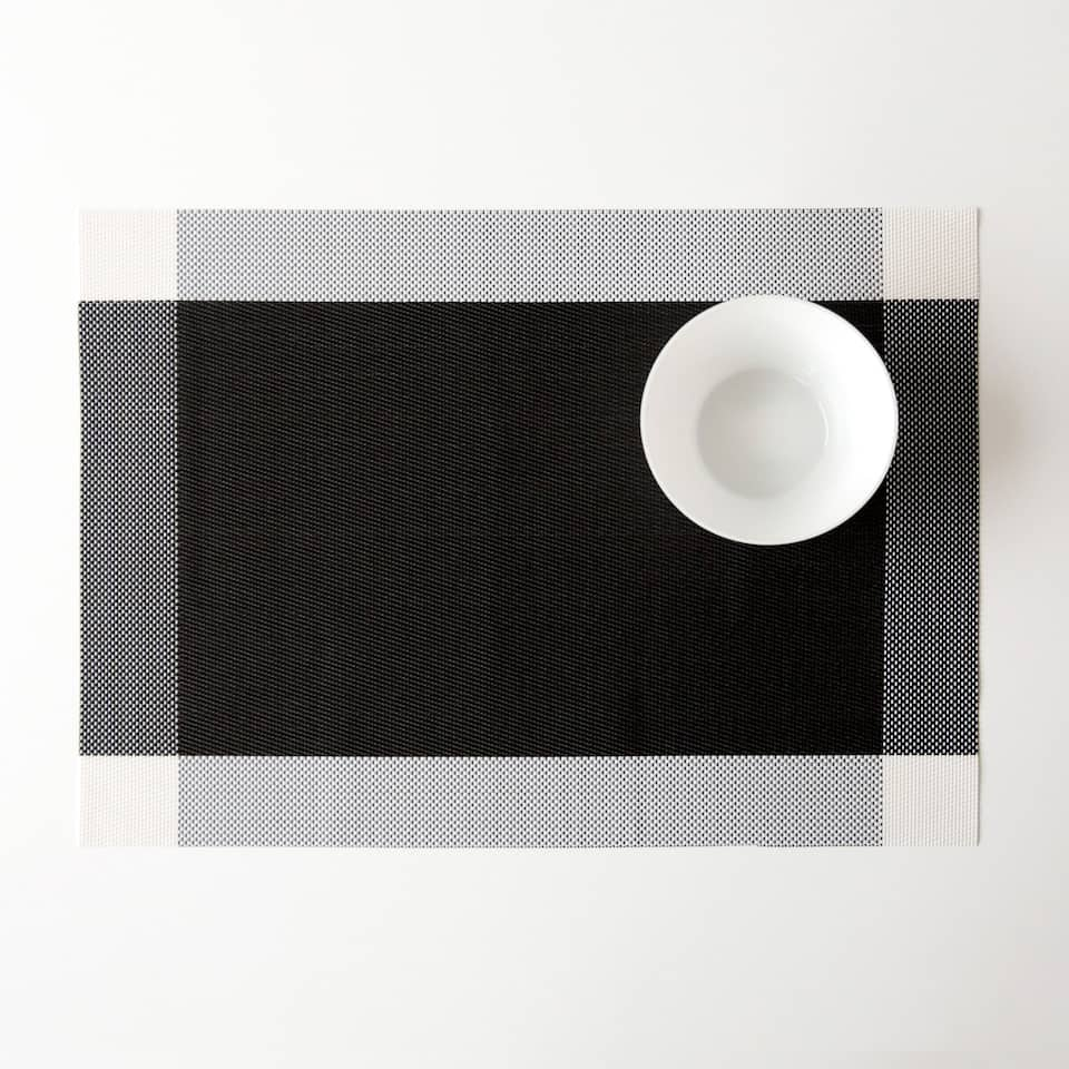 Black plastic placemat with side strips (set of 2)