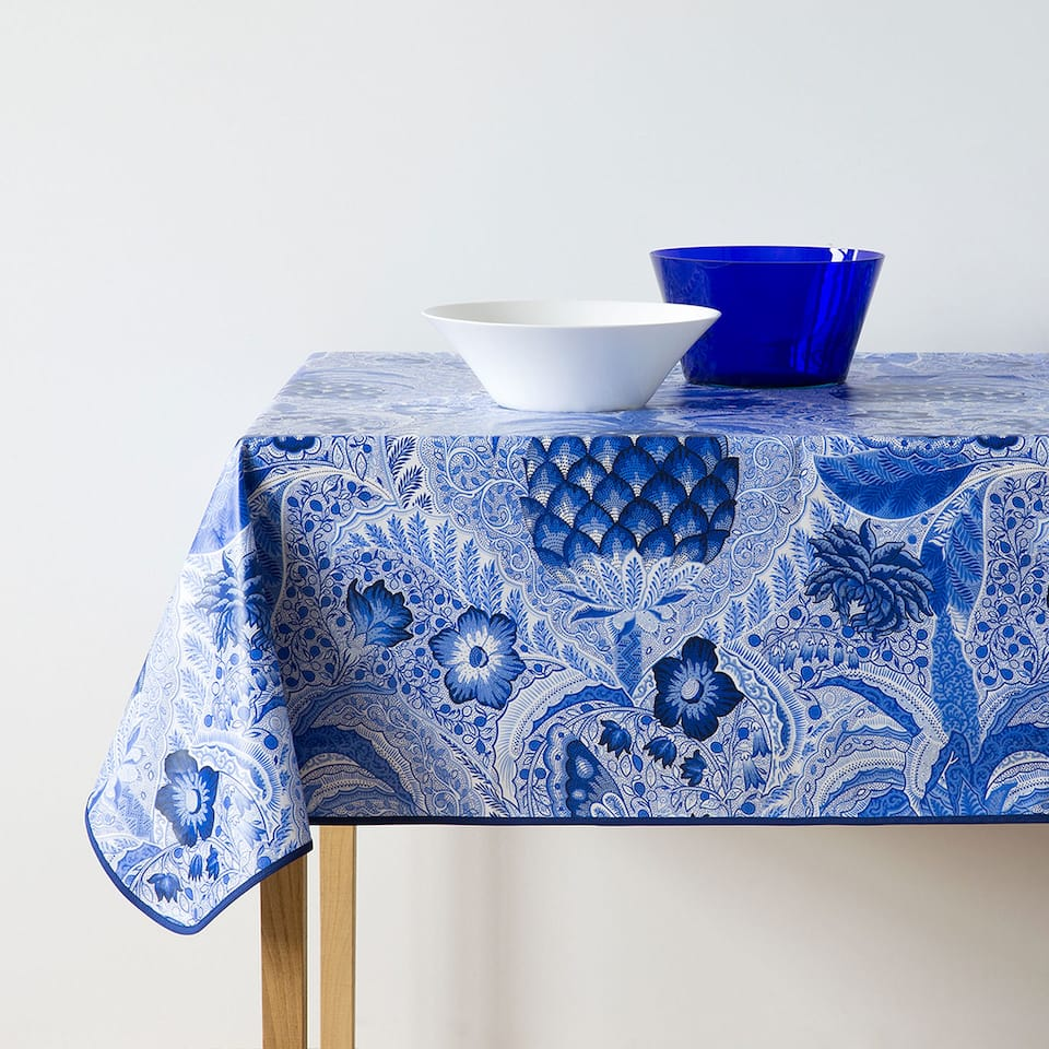 Blue pineapples laminated tablecloth