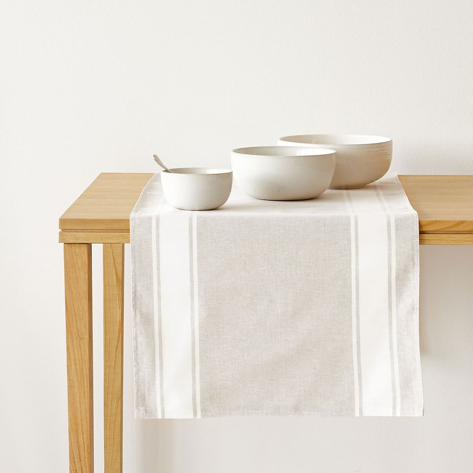 Linen table runner with cotton lace