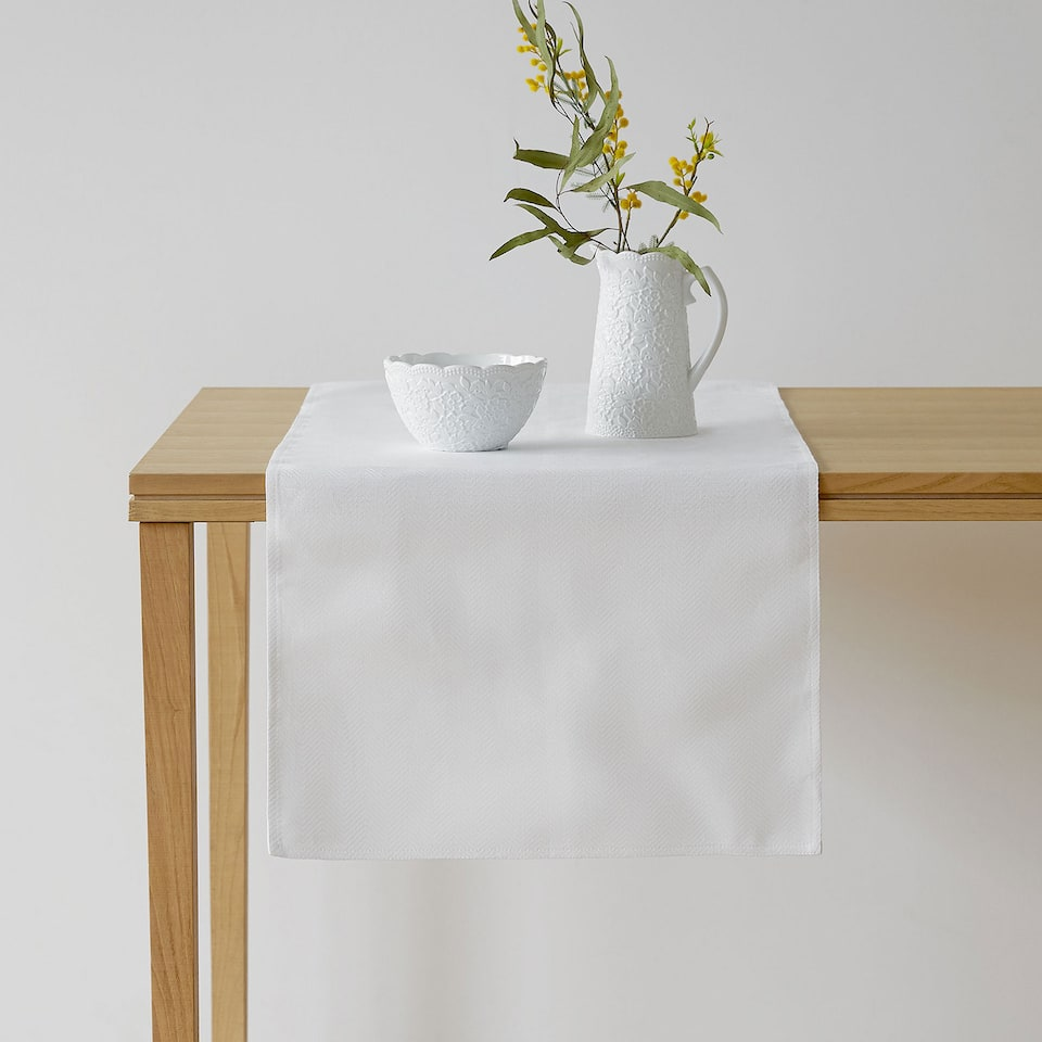 White cotton and linen table runner