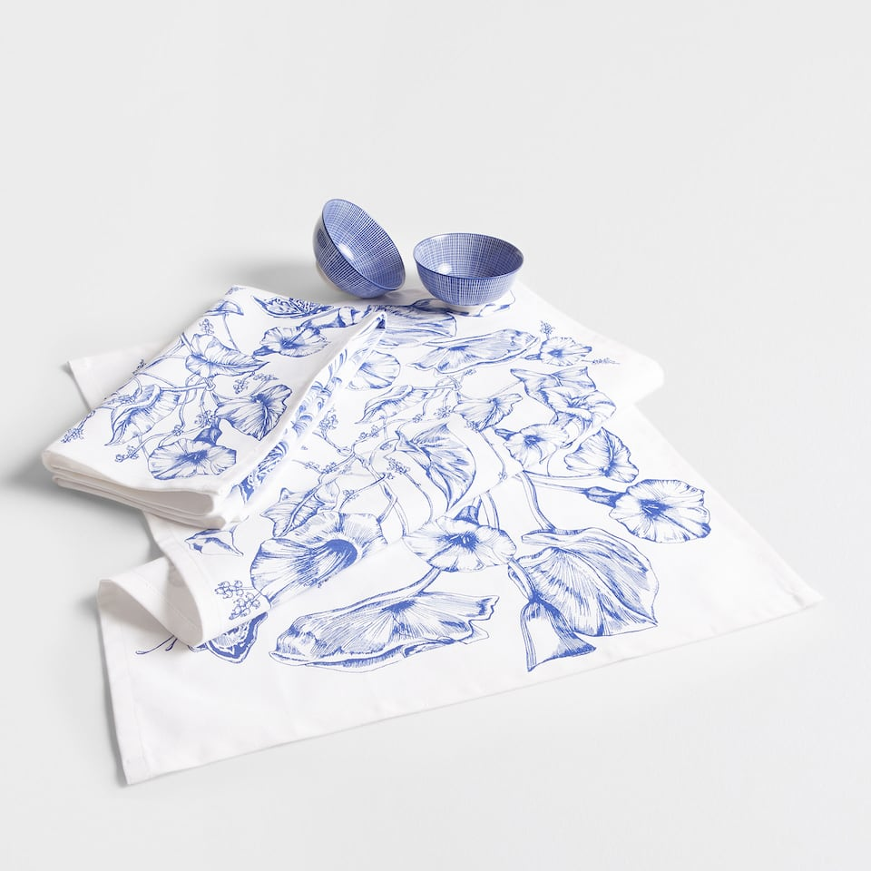 Blue floral print tea towel (set of 2)