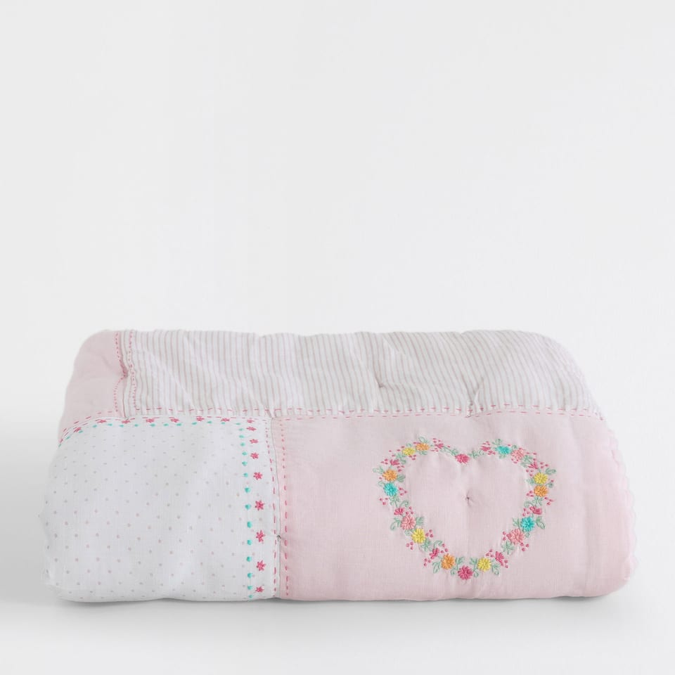 HEART EMBROIDERED FLORAL PATCHWORK QUILT