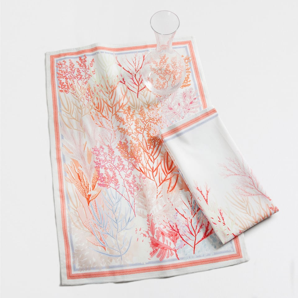 Multicolour coral print tea towels (set of 2)