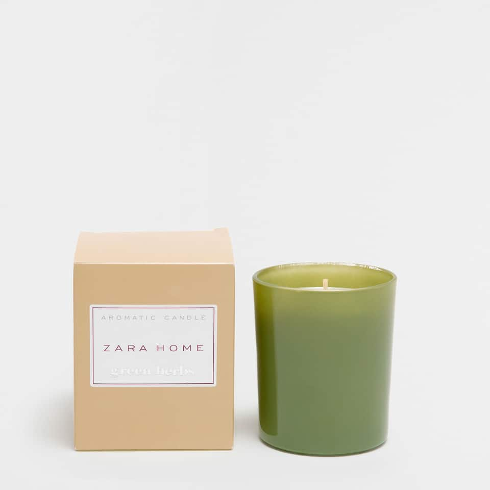 Green Herbs Aromatic Candle