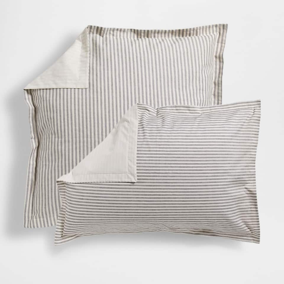Striped Dyed Thread Pillow Case