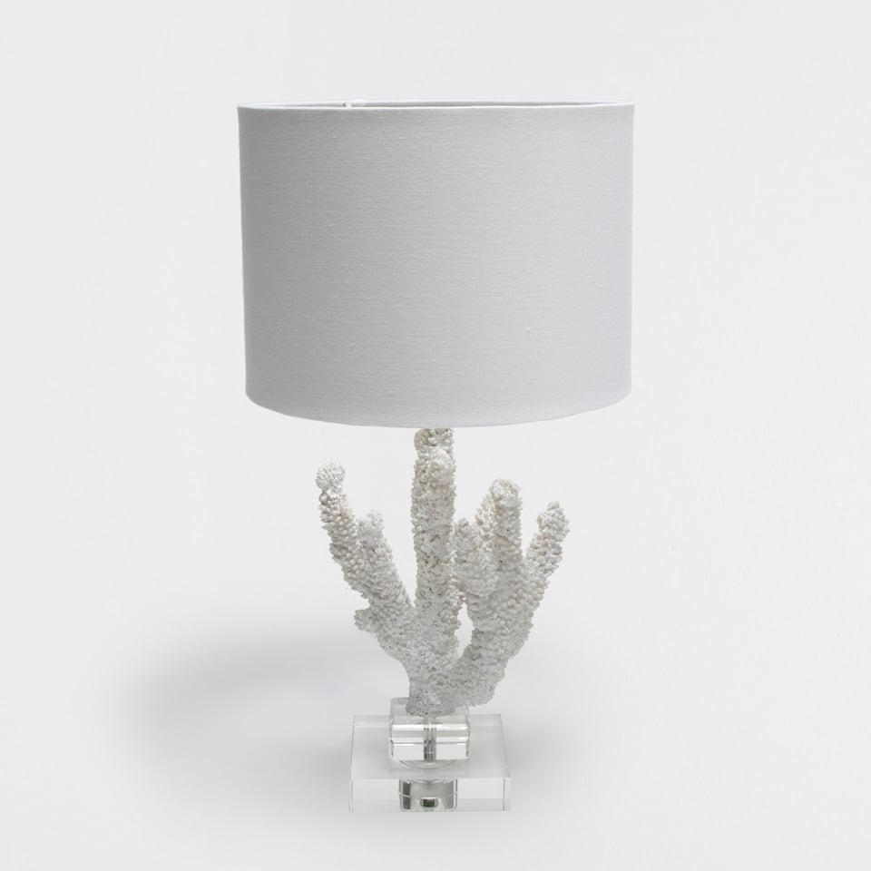 White coral-shaped lamp