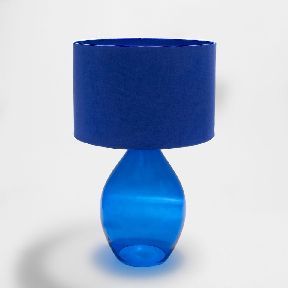 Blue vase-shaped lamp