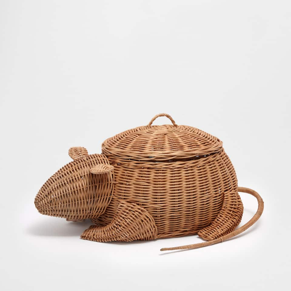 Mouse shaped basket