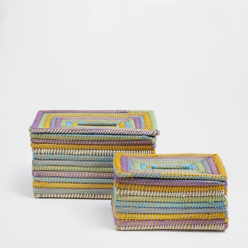 Multicoloured rectangular basket with a lid