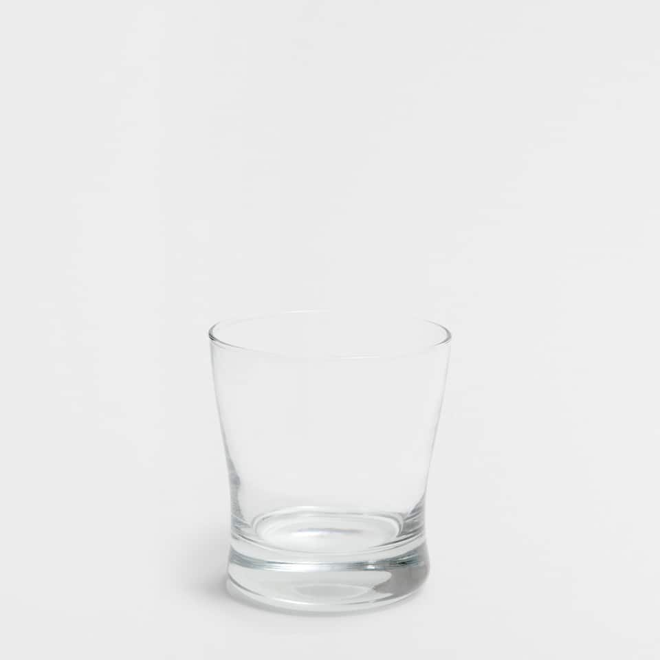 Water glass with a thick base