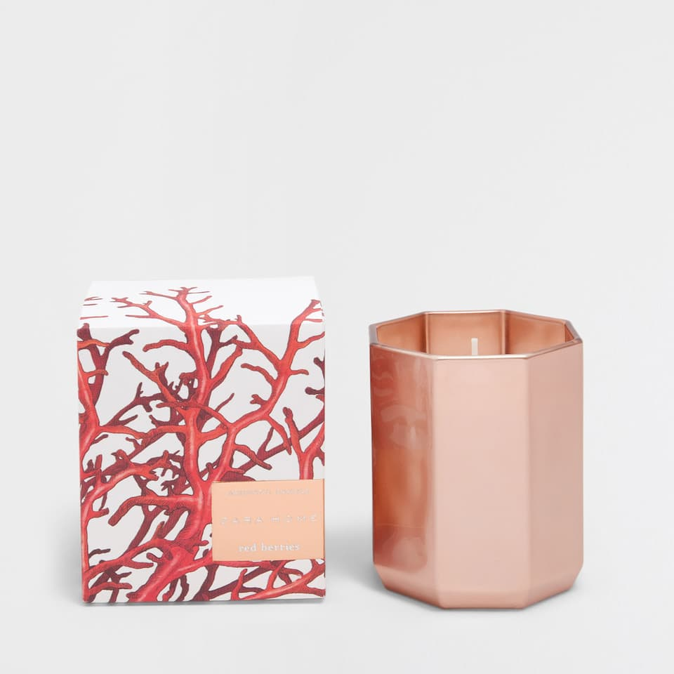 RED BERRIES SMALL CANDLE