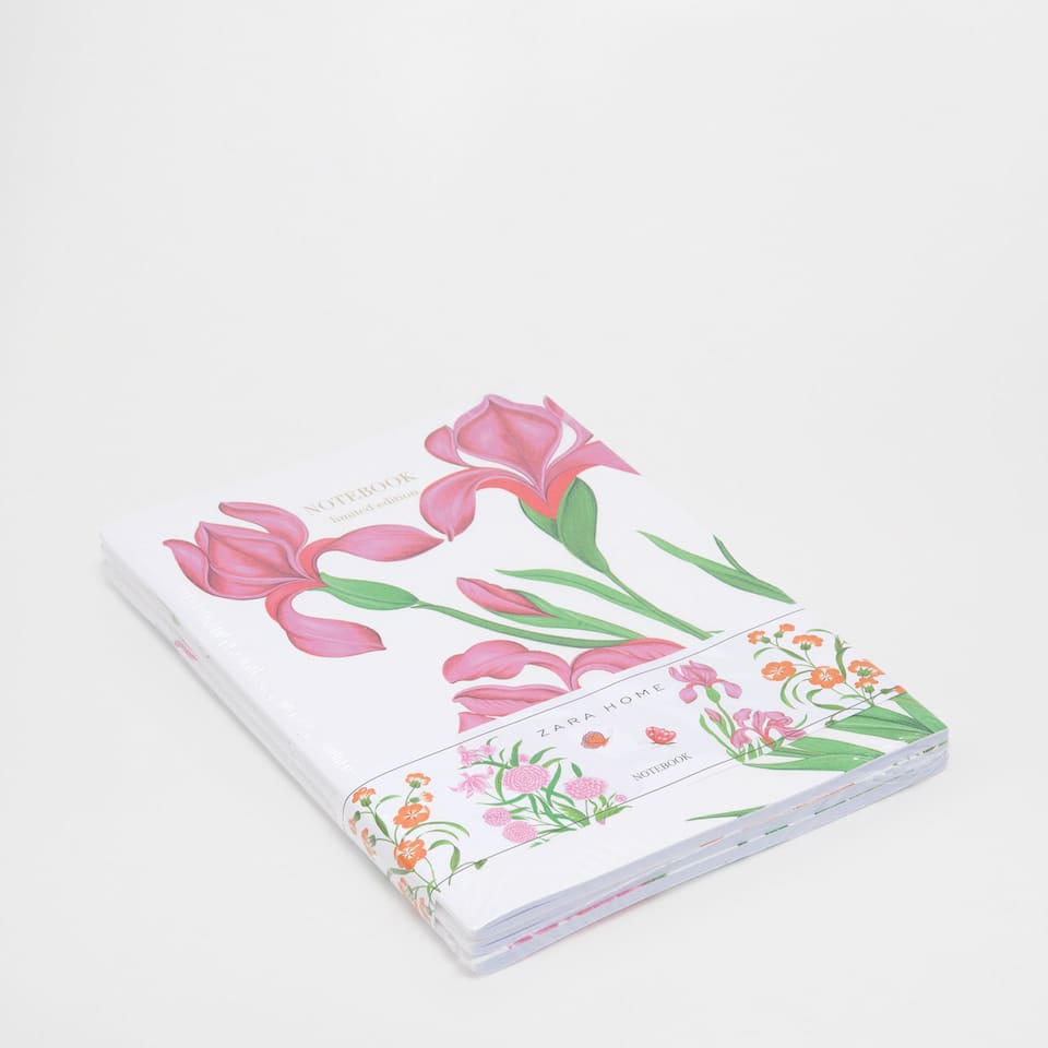 Printed notebooks with a flower detail (set of 3)