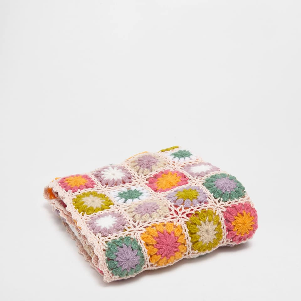 ACRYLIC AND COTTON BLANKET WITH FLOWER SQUARES