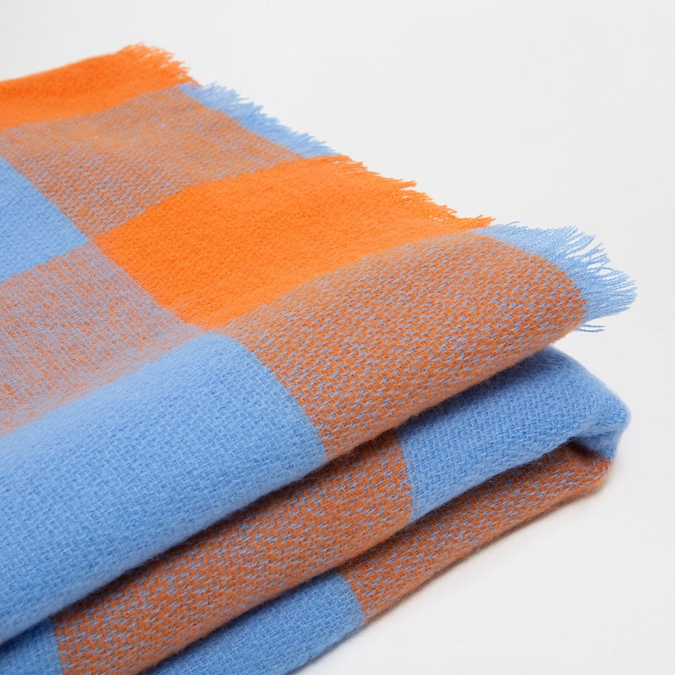TWO-TONE CHECKED BLANKET