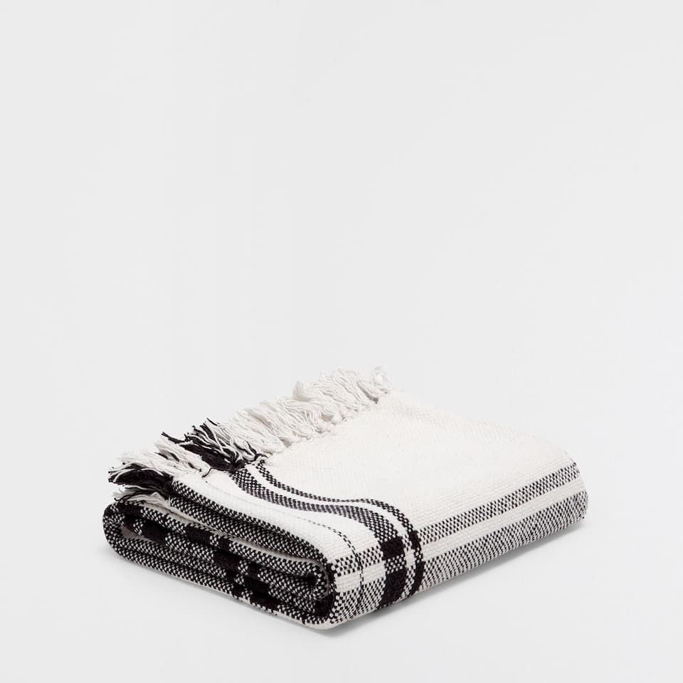 BLACK AND WHITE CHECKED COTTON BLANKET