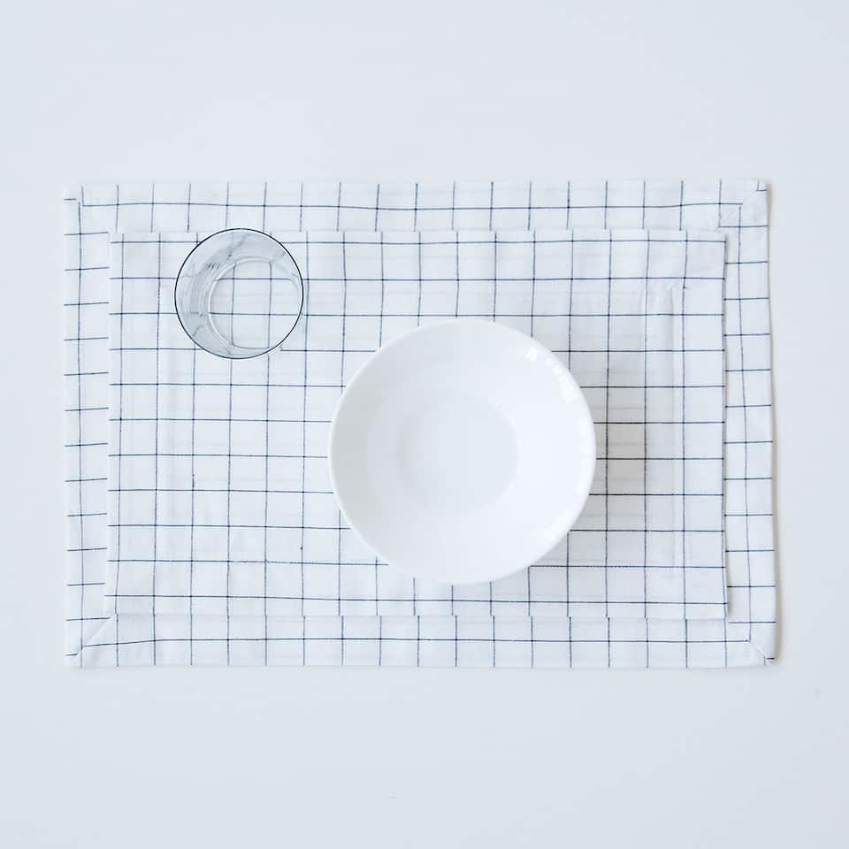 Double-layer checked linen placemat