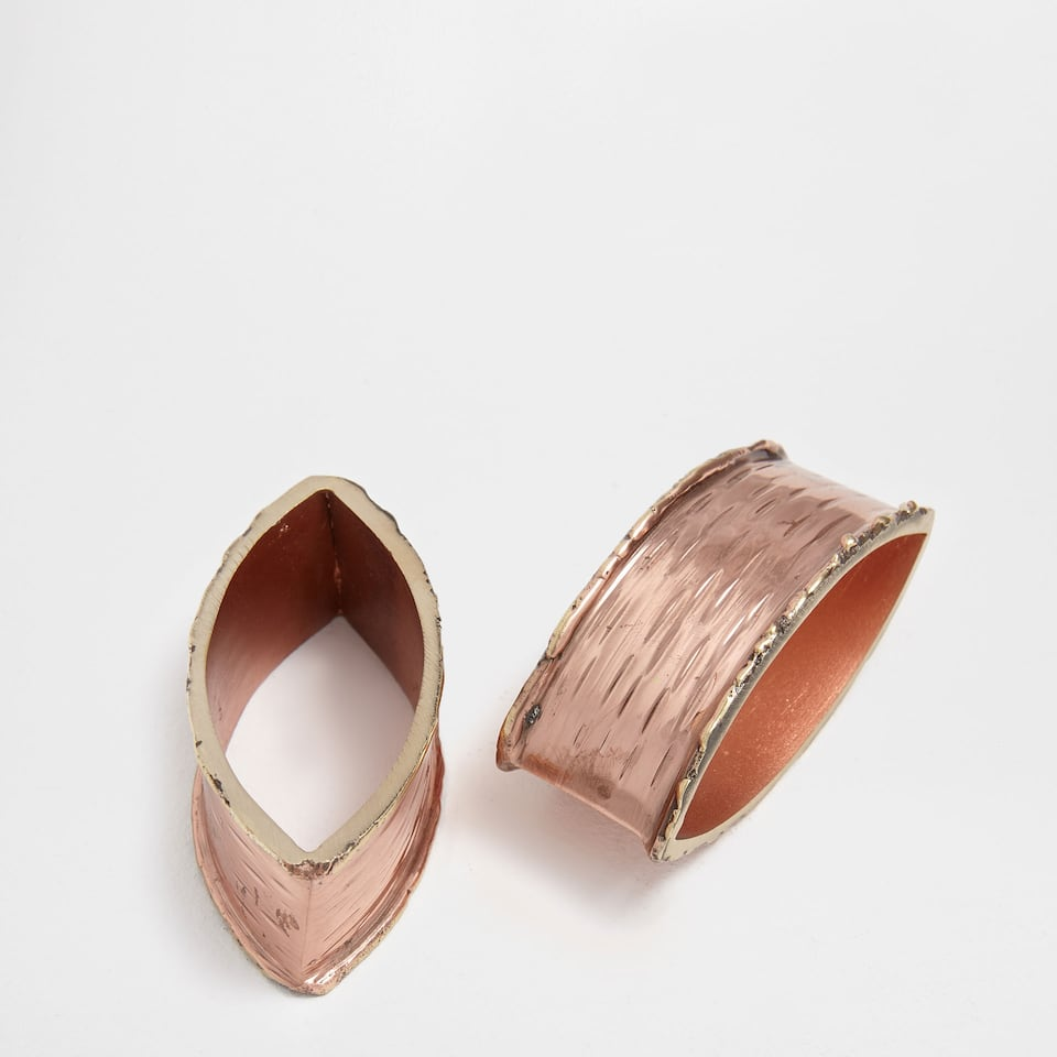 Pink metallic napkin ring (set of 2)