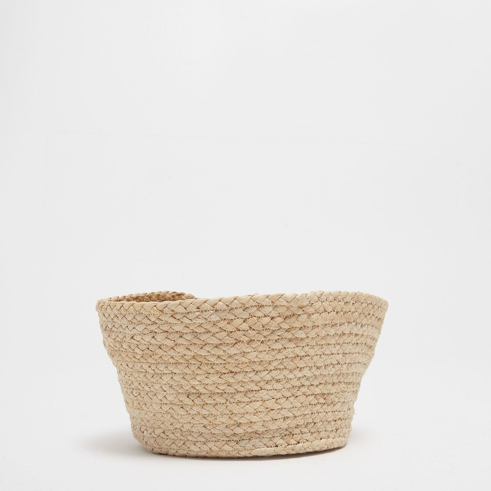 NATURAL-COLOURED ROUND BASKET