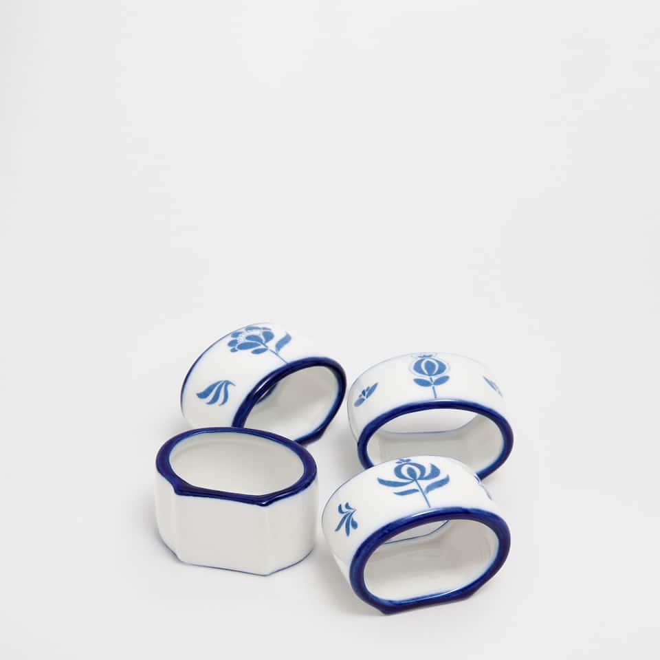 Floral motifs napkin ring (set of 4)