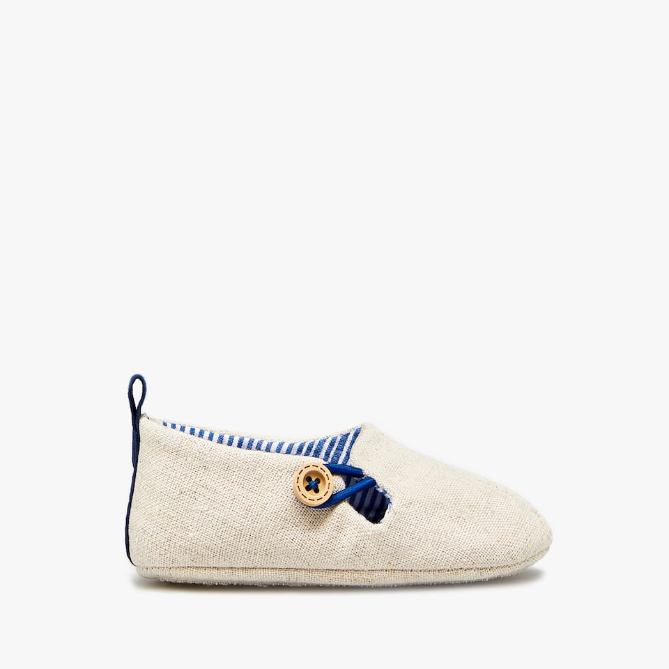LINEN BOOTIES WITH BUTTON
