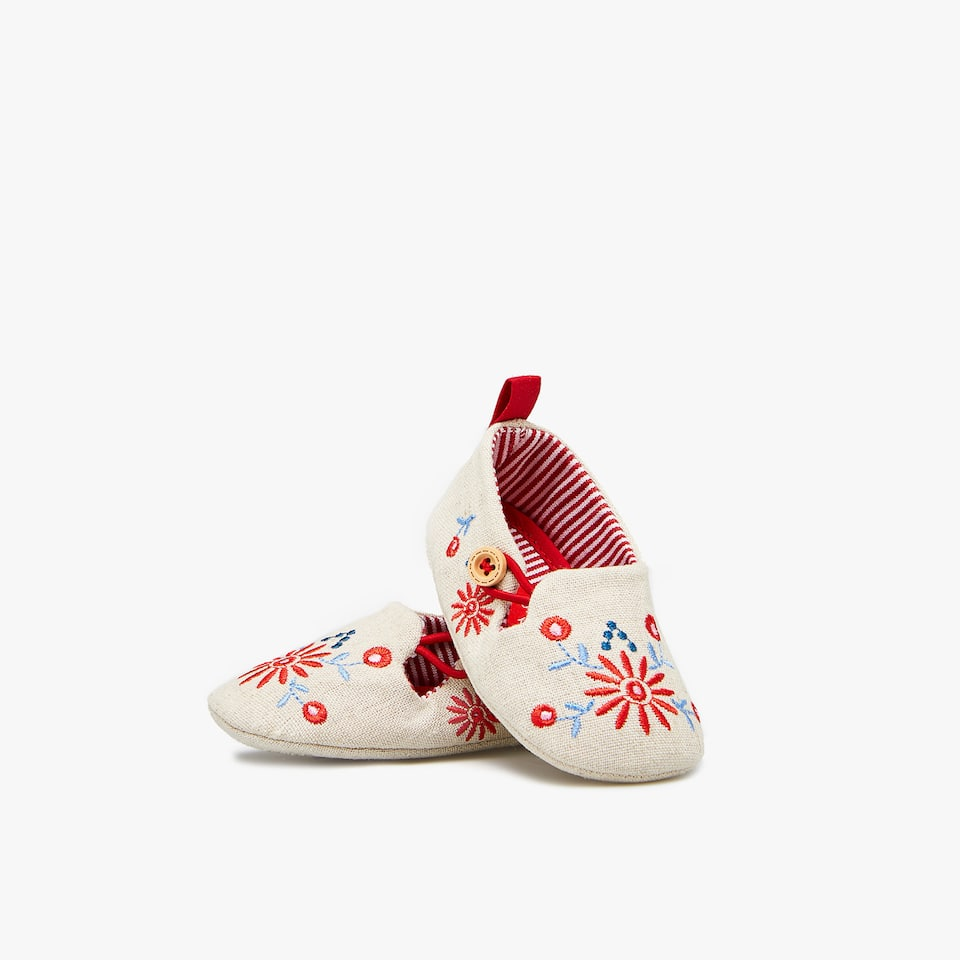 EMBROIDERED LINEN BOOTIES