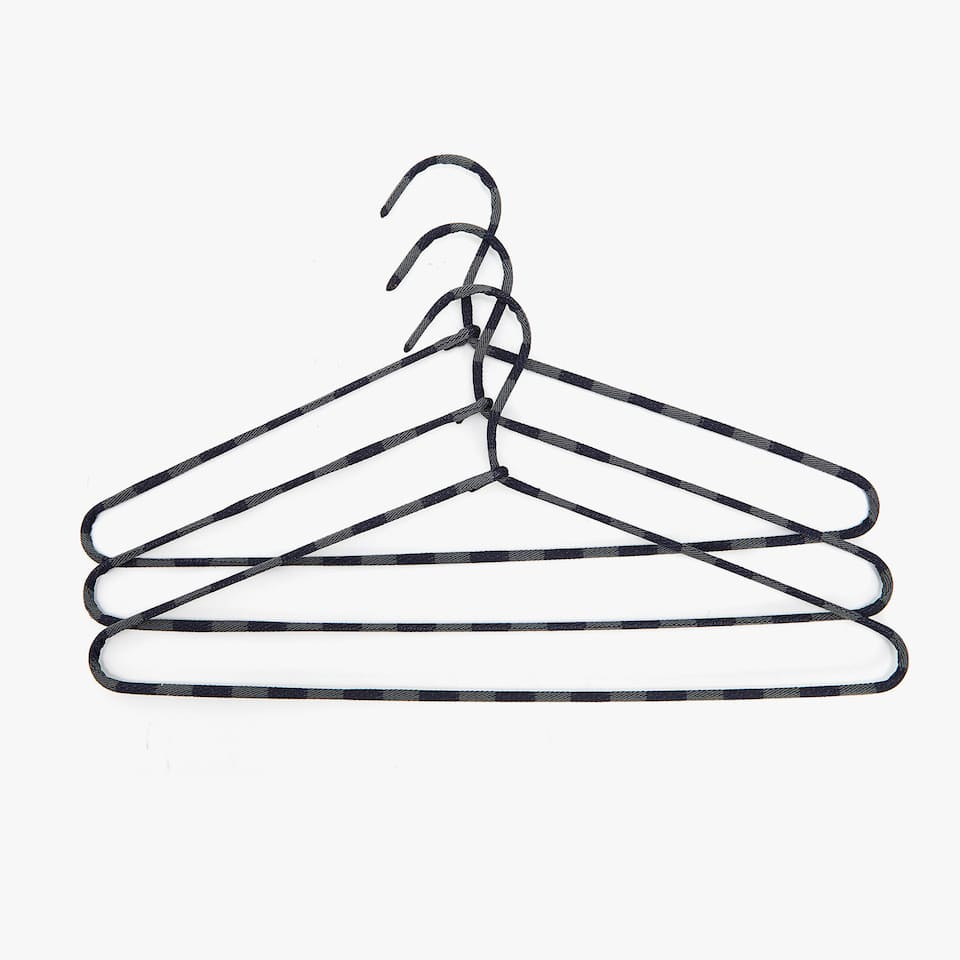 FABRIC HANGER (SET OF 3)