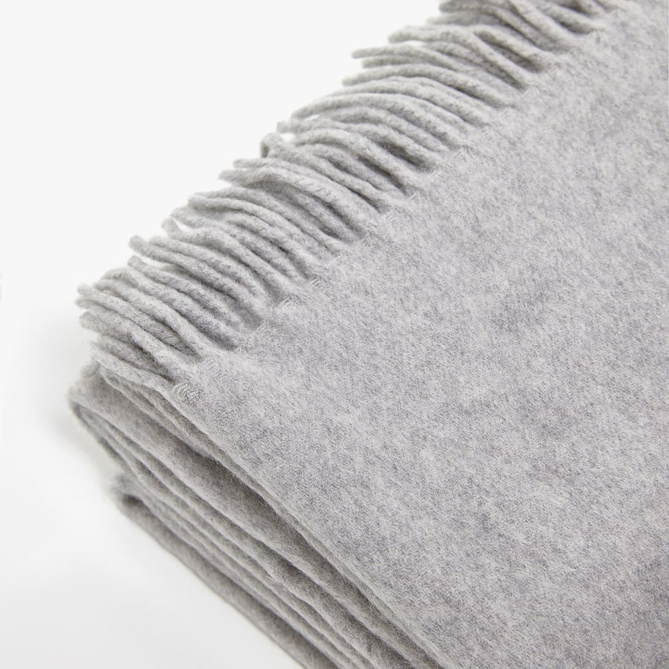 PLAIN FRINGED CASHMERE BLANKET