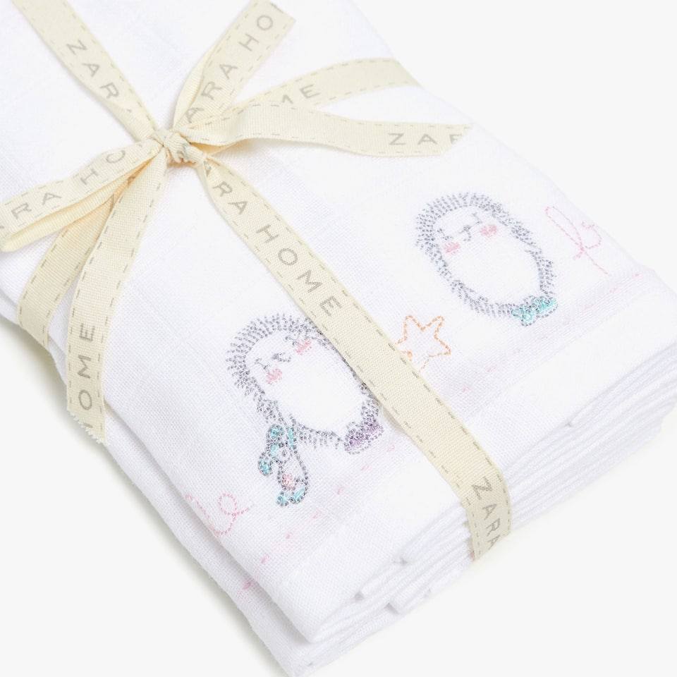 BABY CLOTHS WITH HEDGEHOG DETAIL (SET OF 2)