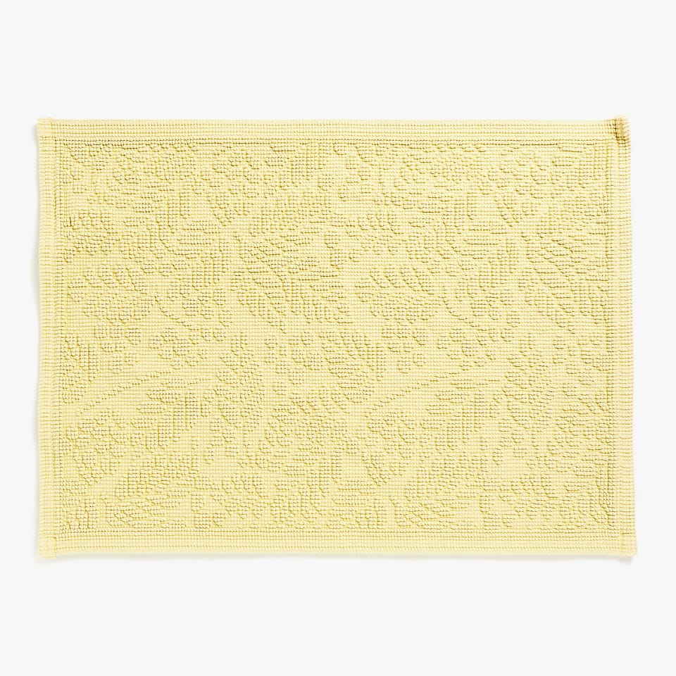 COTTON BATH MAT WITH LEAF DESIGN