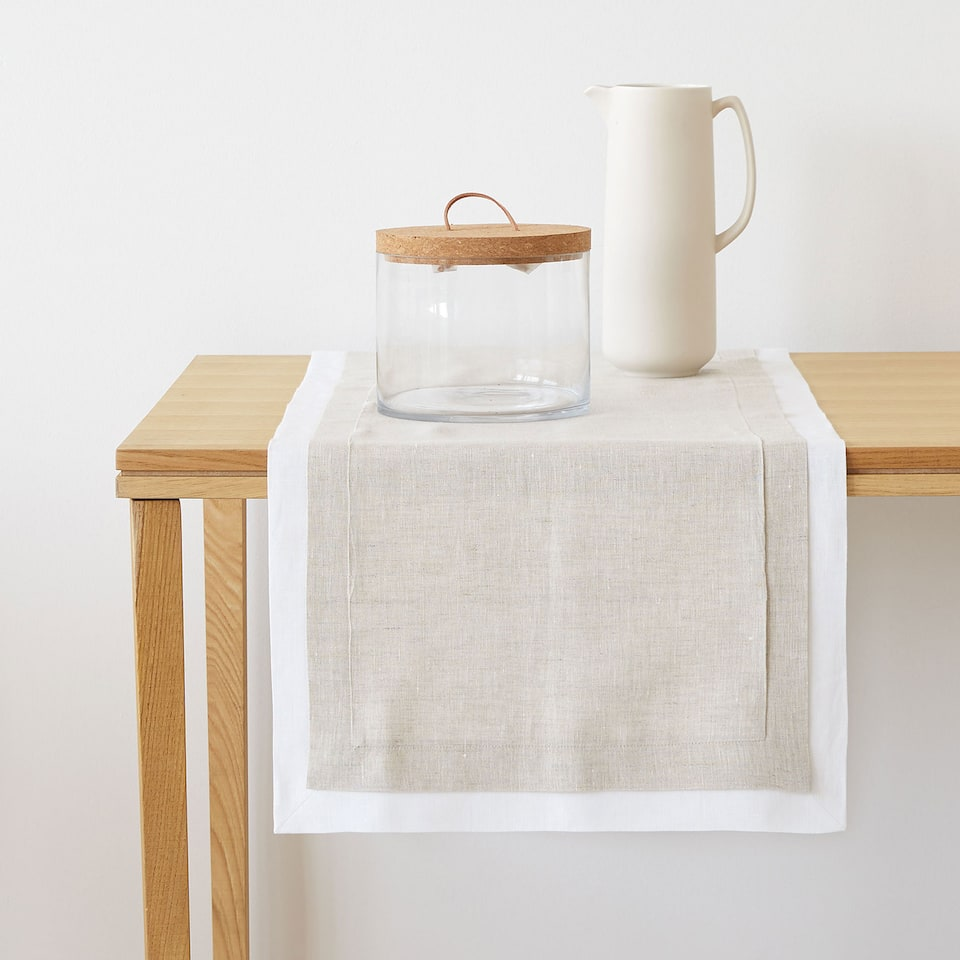 DOUBLE LAYER LINEN TABLE RUNNER