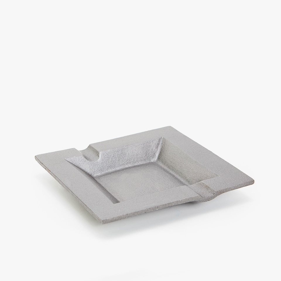 SQUARE IRON ASHTRAY