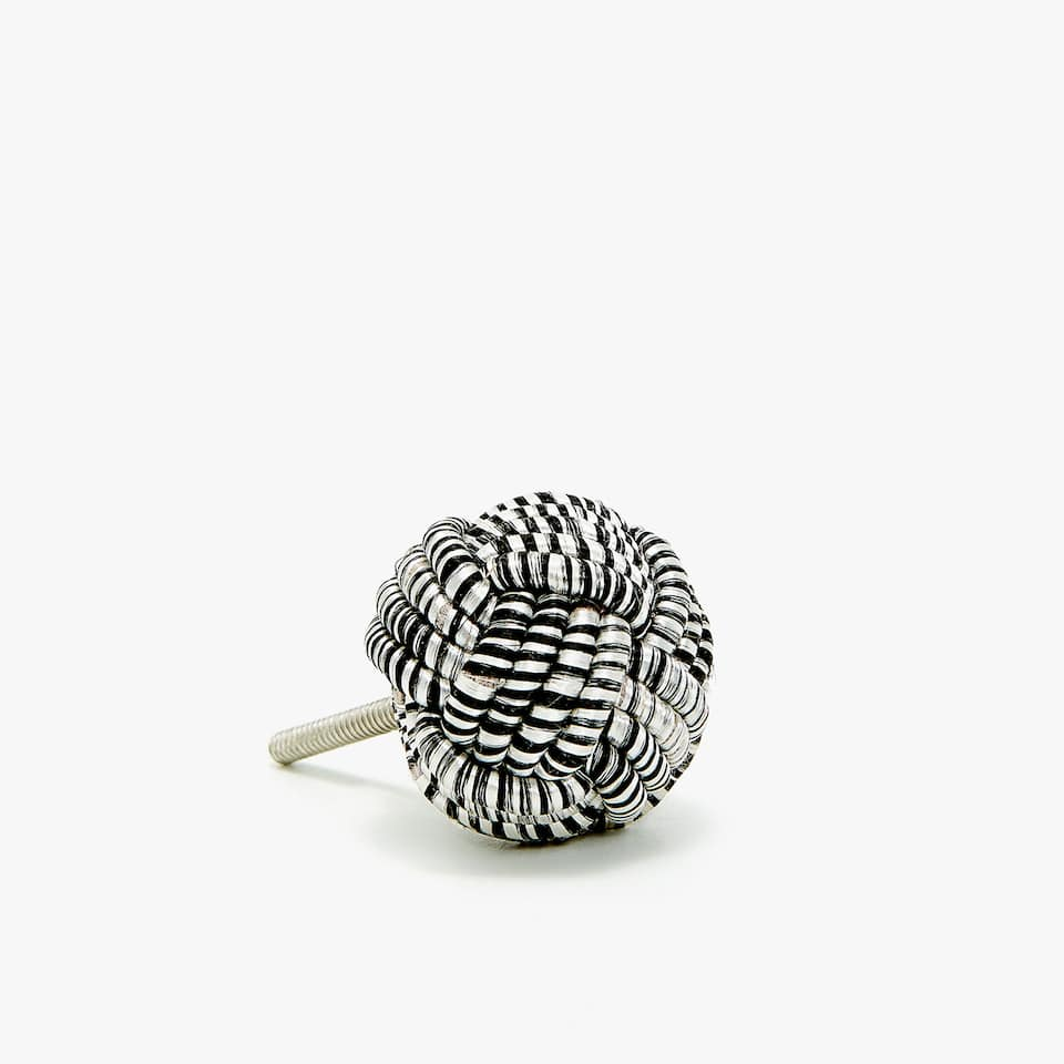 BLACK AND WHITE KNOT DOOR KNOB (SET OF 2)