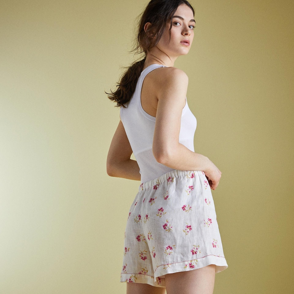 SHORT LINO ESTAMPADO FLORAL