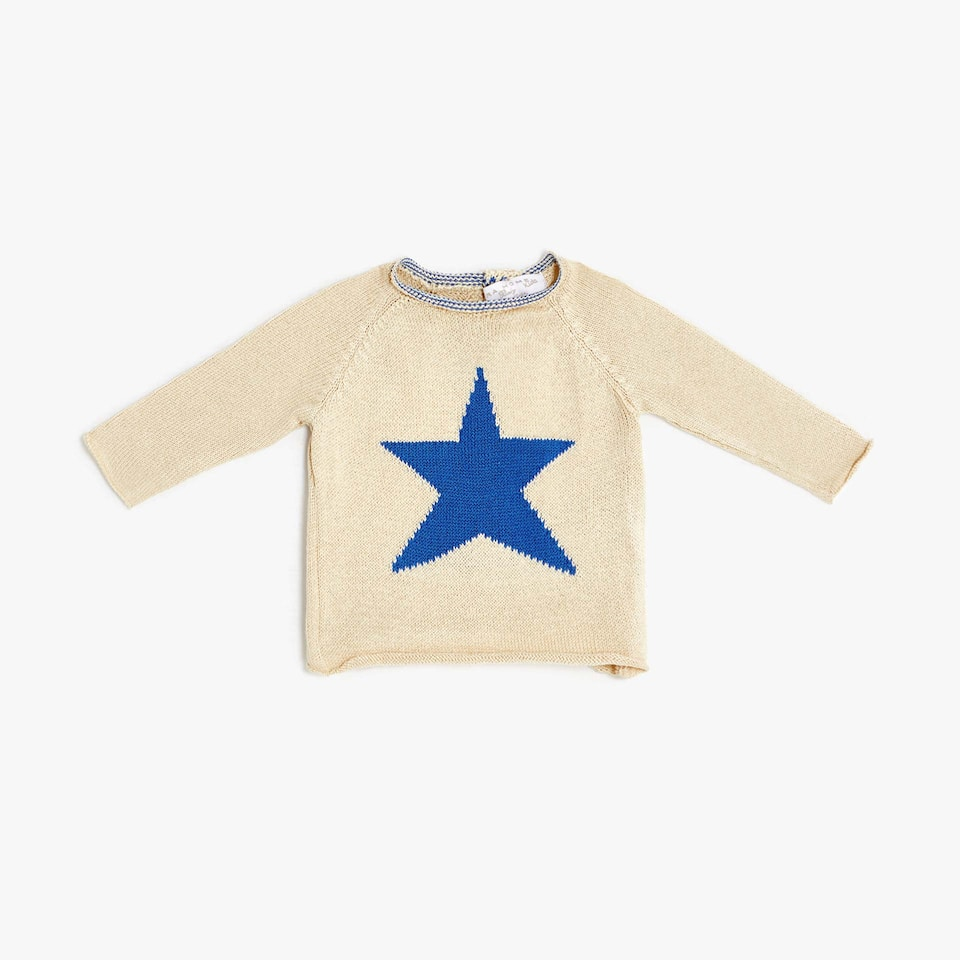 KNIT SWEATER WITH A STAR