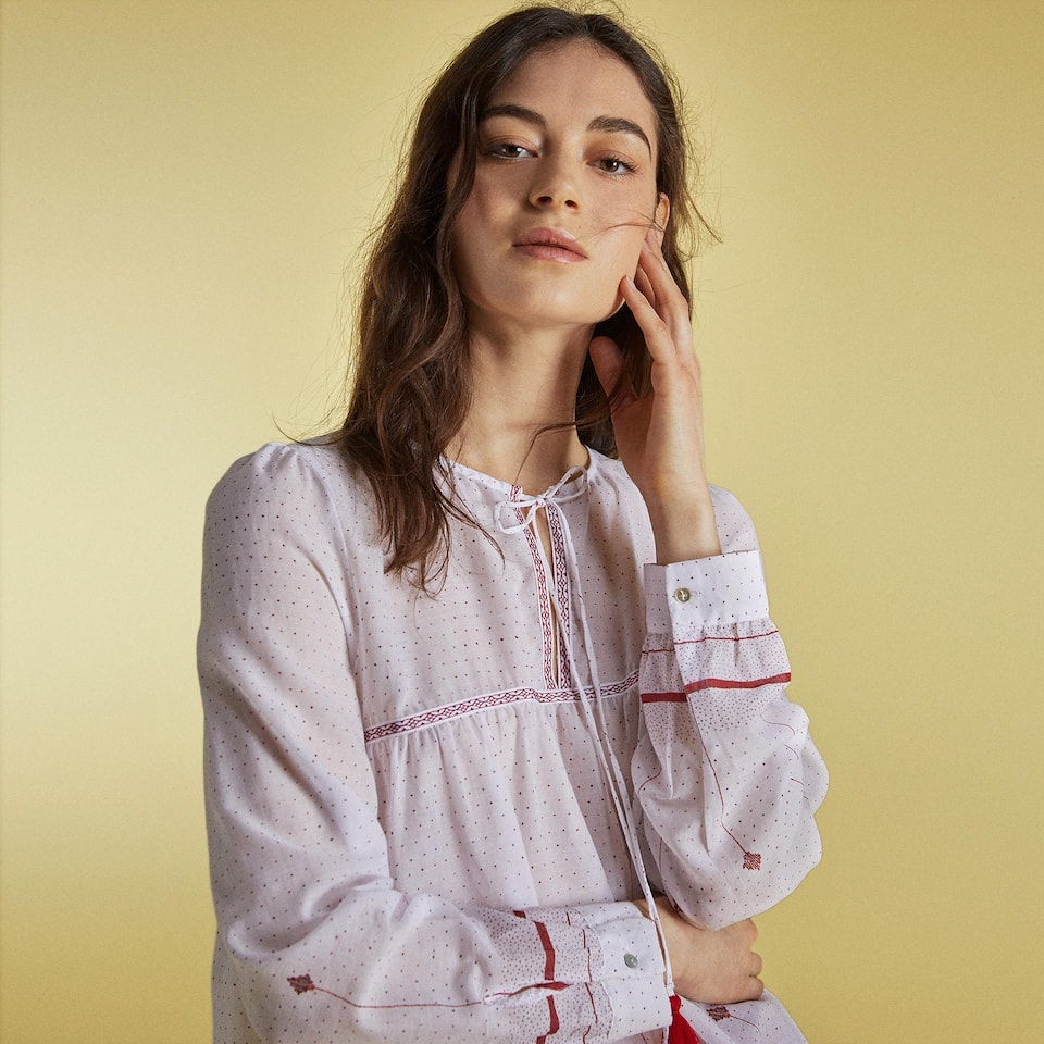 EMBROIDERED FLOWING SHIRT
