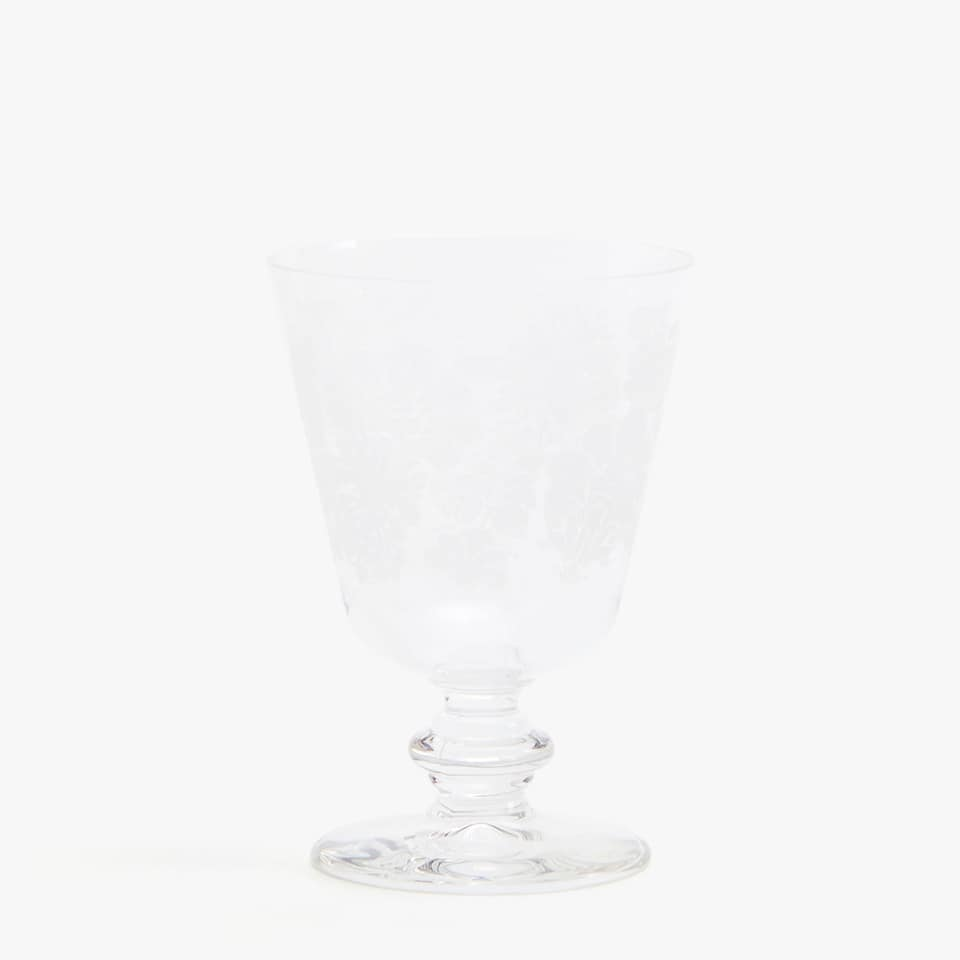 WINE GLASS WITH WHITE FLORAL TRANSFER