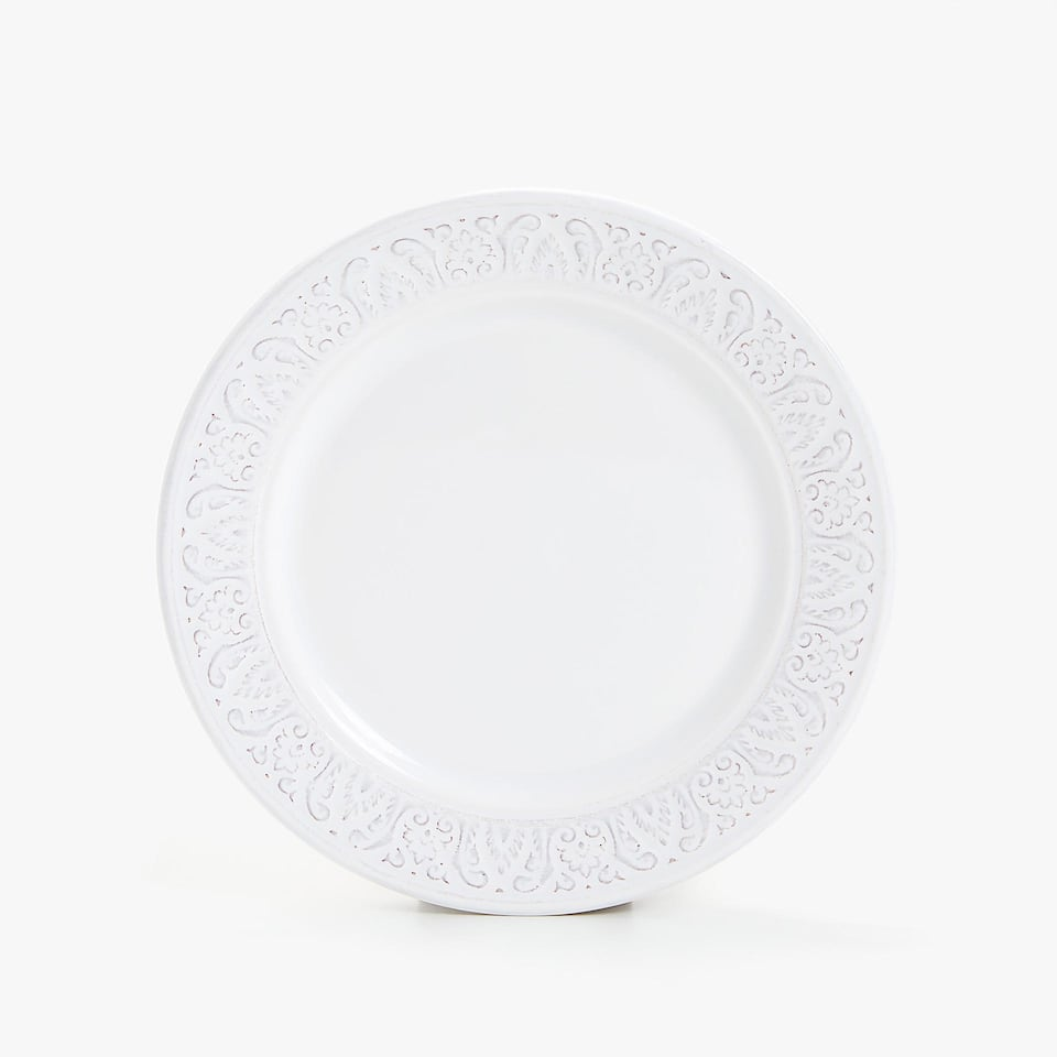 WHITE RAISED-DESIGN EARTHENWARE DINNER PLATE