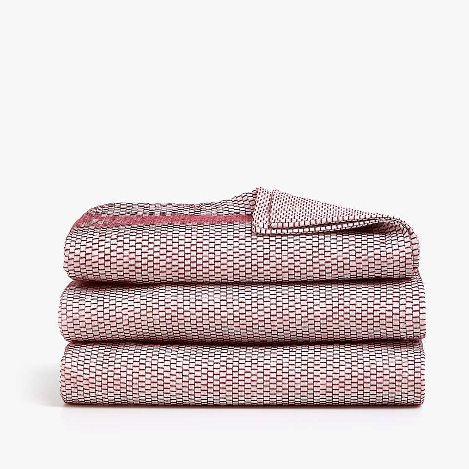 COTTON BEDSPREAD WITH CONTRASTING THREAD