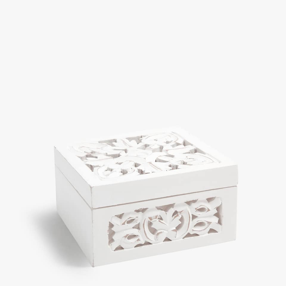 WHITE DIE-CUT WOODEN BOX