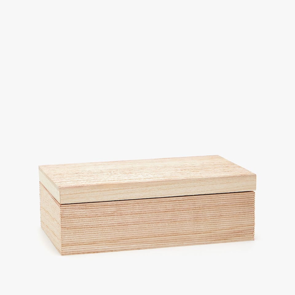 PAULOWNIA WOOD BOX WITH RAISED DESIGN