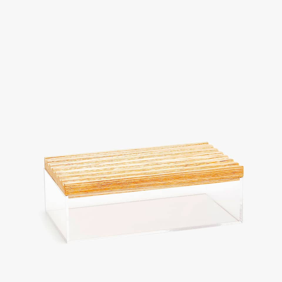 ACRYLIC BOX WITH WOODEN LID