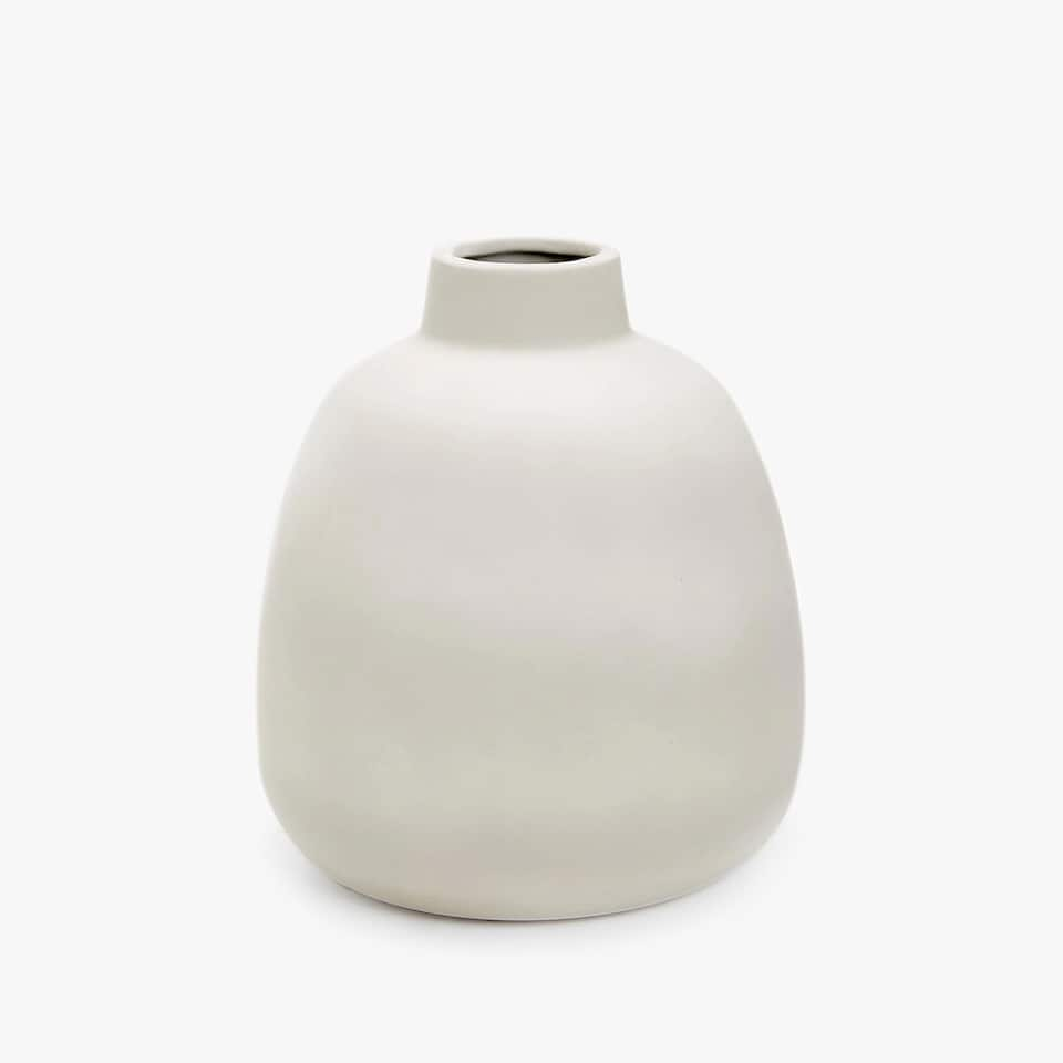 CERAMIC VASE WITH GREY RUBBERISED FINISH