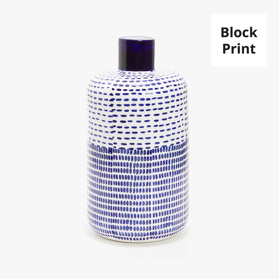 CERAMIC VASE WITH PAINTED DOTTED LINES