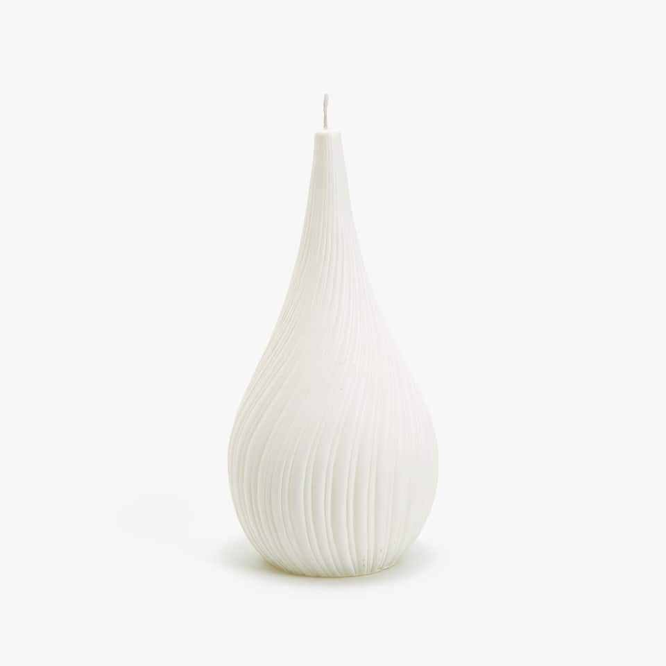 WHITE RAISED WAVY DESIGN CANDLE