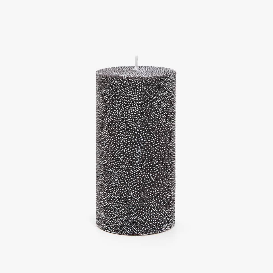 TEXTURED CYLINDRICAL CANDLE
