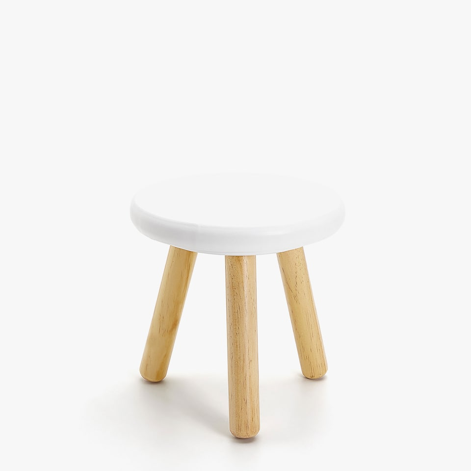 WHITE STOOL WITH WOODEN LEGS